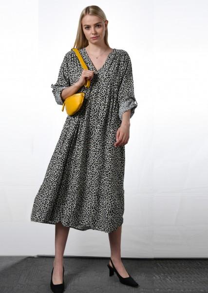 Langes Kleid im Leodessin mit Krempelärmel