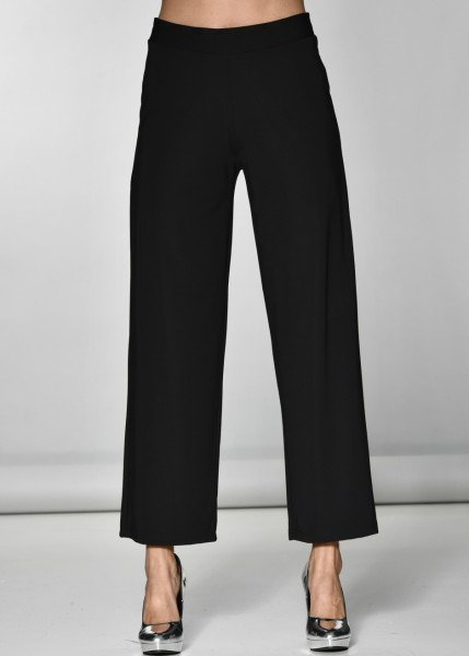 Schwarze Hose im Marlene Stil