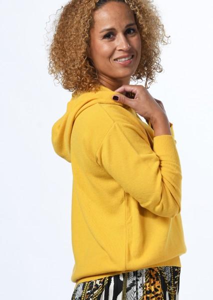 Pullover mit Kapuze in maisgelb mit Cashmere Anteil