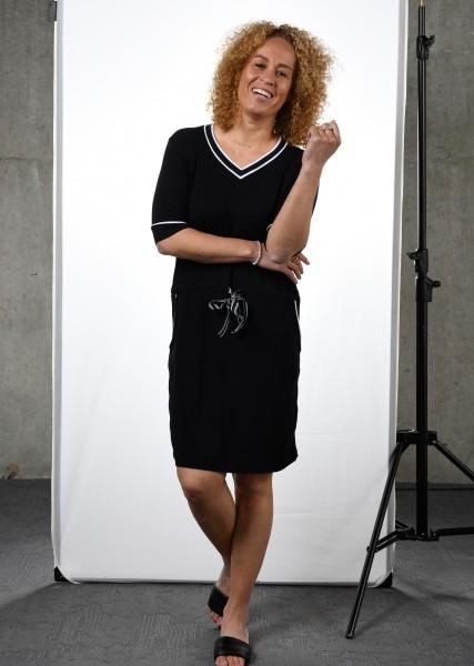 Sportives V-Ausschnitt Kleid in schwarz